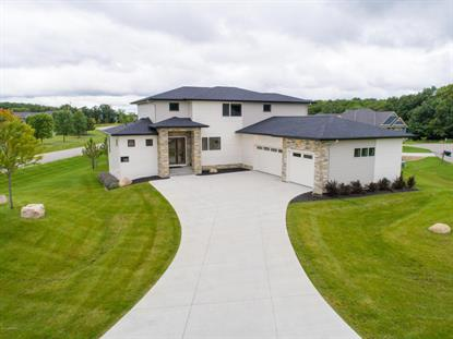 2551 Glenwood Lane SW Rochester, MN MLS# 4074518