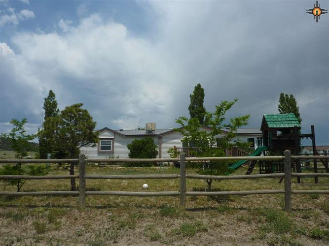 11 Willow Lane, Raton, NM 87740