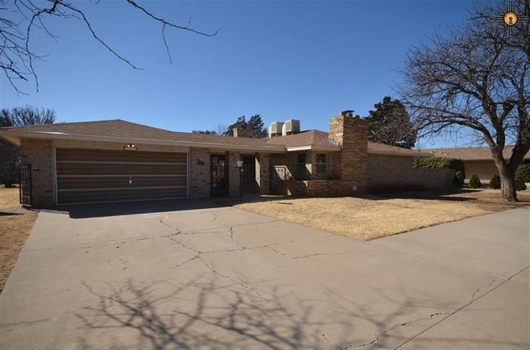 1513 Claremont Terrace, Clovis, NM 88101
