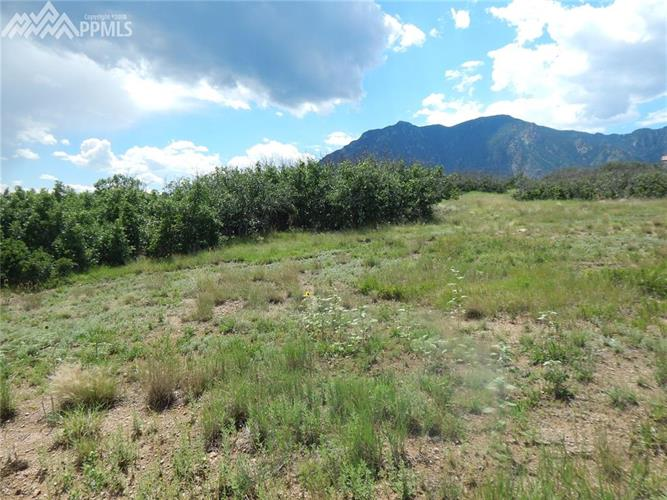 6519 Farthing Drive, Colorado Springs, CO 80906