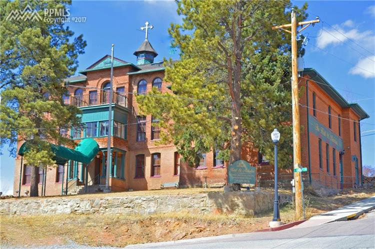 233 E Eaton Avenue, Cripple Creek, CO 80813