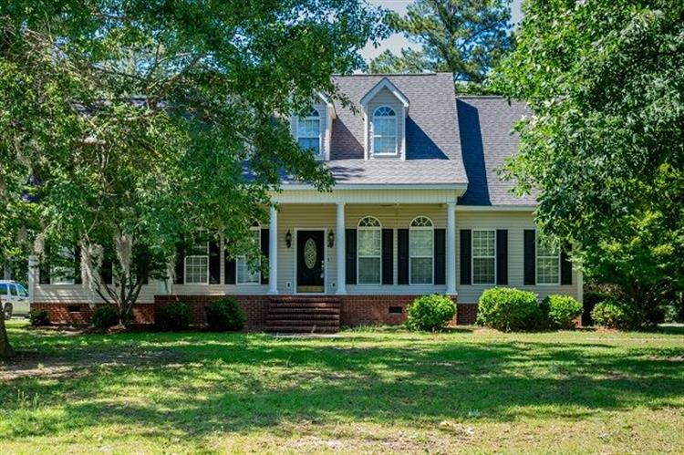 3331 W Forest Lake Drive, Florence, SC 29501