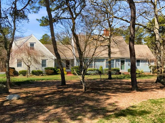75 Captain Bearse Lane, Harwich, MA 02645