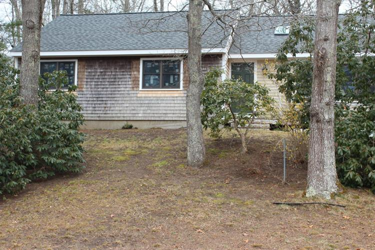 78 Pond Circle, Mashpee, MA 02649
