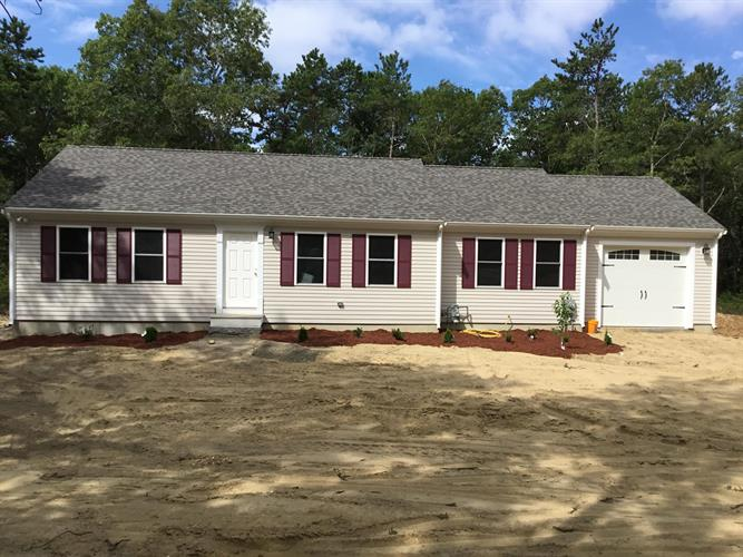 433 Great Neck North Road, Mashpee, MA 02649