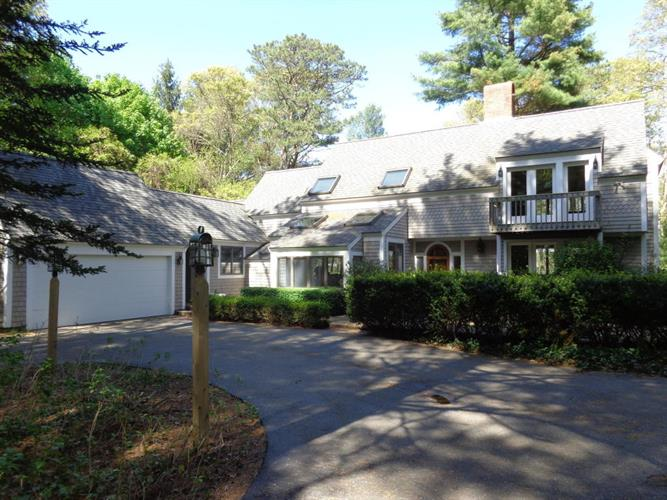 40 Punkhorn Point Road, Mashpee, MA 02649