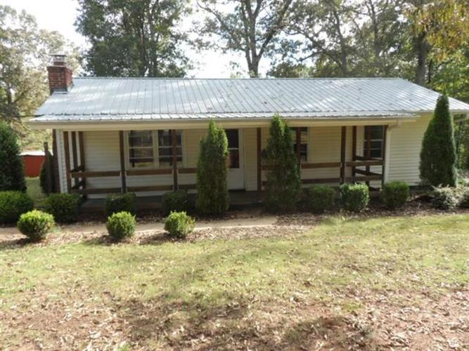 102 Oak Tree Drive, Honea Path, SC 29654