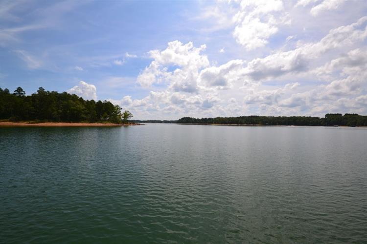 0 Blue Water Way, Hartwell, GA 30643