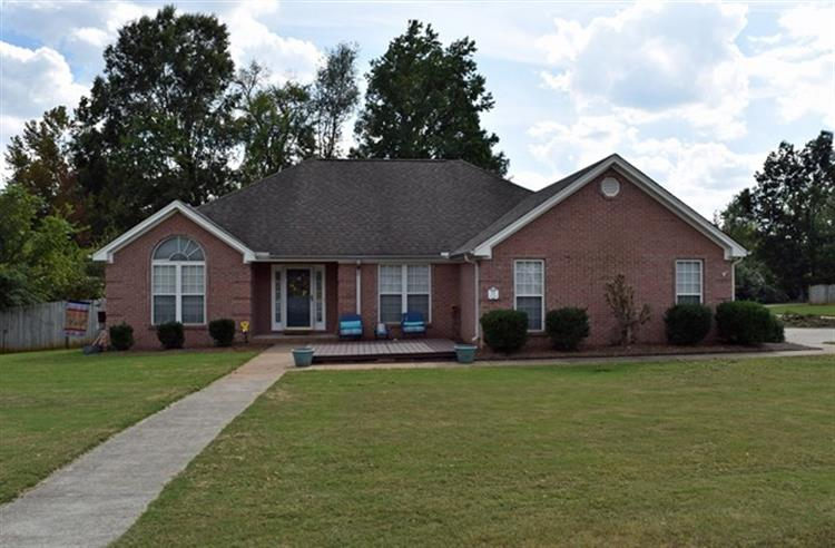 311 Kingston Dr, Florence, AL 35633
