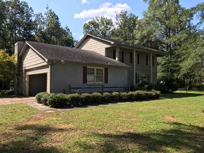 212 Waterfront Dr, Hamilton, AL 35570