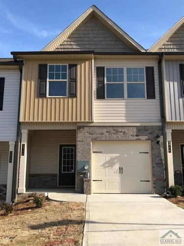 368 Turtle Creek Dr, Winder, GA 30680
