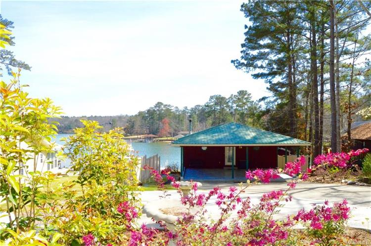 290 Council Rock Road, Eclectic, AL 36024