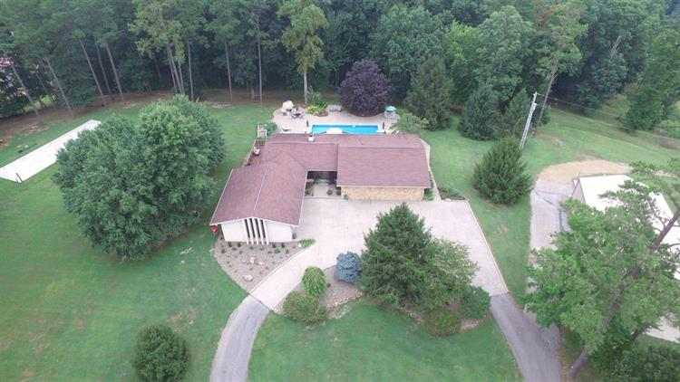1930 Maple Grove Road, London, KY 40744