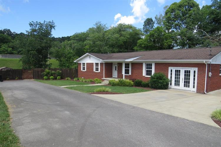 205 Jarvis Street, Barbourville, KY 40906 - Image 1