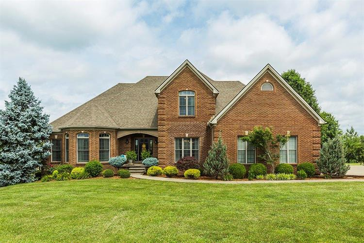 820 Lakeview Drive, Versailles, KY 40383 - Image 1