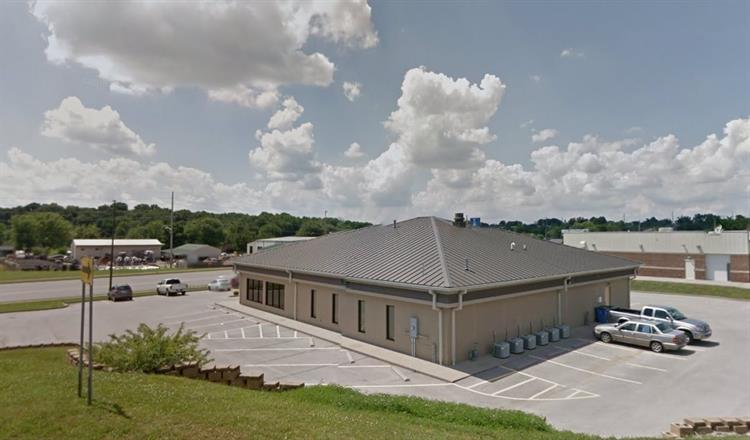 405 S. L Rogers Wells Blvd., Glasgow, KY 42141 - Image 1