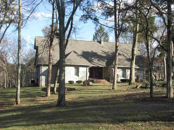 2026 Barberry Ct, Bowling Green, KY 42104