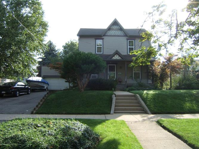 102 N Oakland, Saint Johns, MI 48879