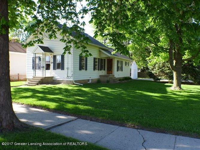 109 E Steel Street, Saint Johns, MI 48879
