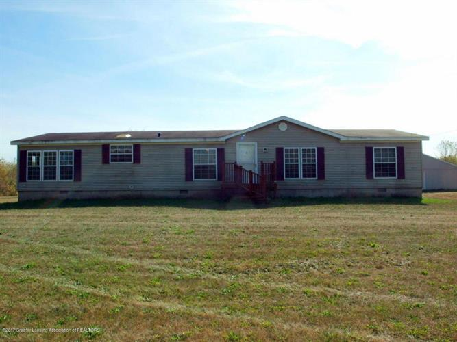 6689 W Mead Road, Saint Johns, MI 48879