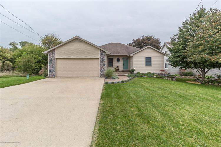 14452 Limerick Lane, Cement City, MI 49233