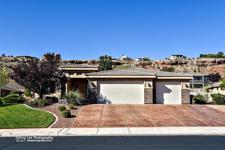 21 N Arroyo, St George, UT 84790