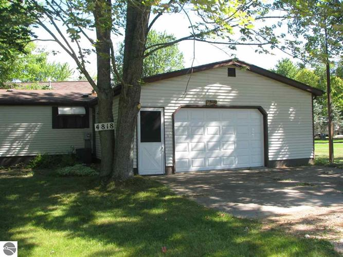 4818 W Stevenson Lake Road, Lake, MI 48632