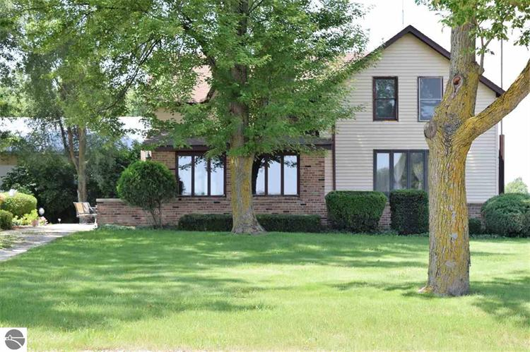715 N Summerton Road, Mt Pleasant, MI 48858