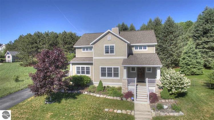 10622 Shrewbury Street, Traverse City, MI 49684