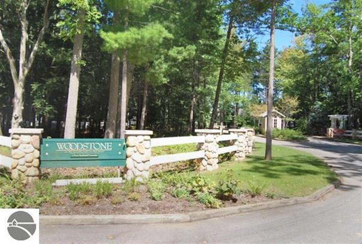 5 Twisted Oak, Glen Arbor, MI 49636