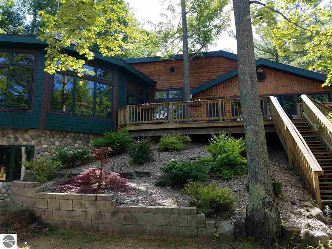 5264 Birch Glen Road, Lake Ann, MI 49650