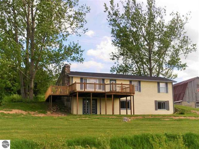14353 19 Mile Road, Leroy, MI 49655