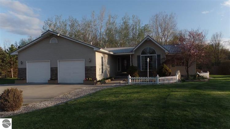 1885 Willow Wood Drive, Mt Pleasant, MI 48858 - Image 1