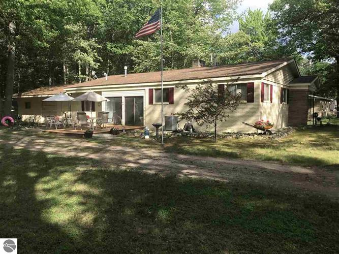 706 Old Trail Drive, Houghton Lake, MI 48629 - Image 1