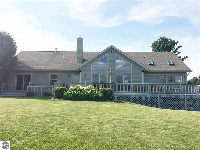 5166 Arrowhead Circle, Williamsburg, MI 49690
