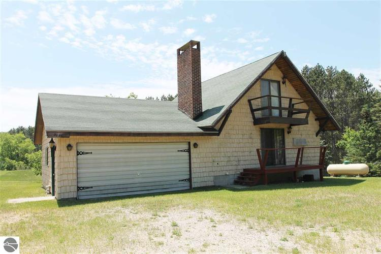3841 Pinedale Drive, Harrietta, MI 49638