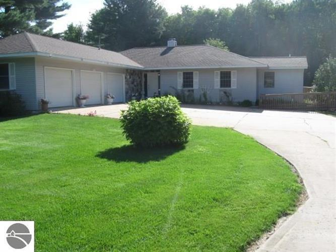 1554 N Intermediate Lake, Central Lake, MI 49622