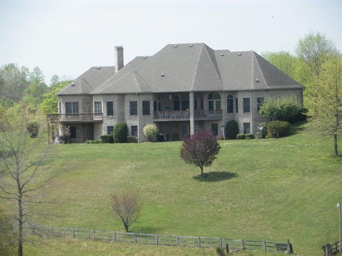 201 Lakepoint View Road, Monticello, KY 42633