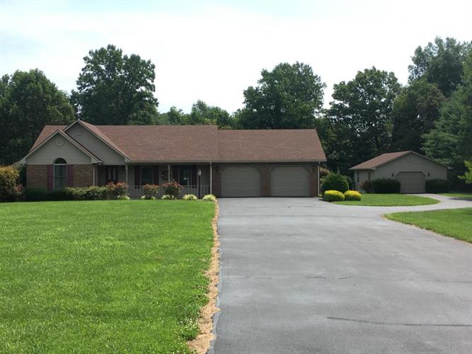 285 G V Hale Road, Russell Springs, KY 42642
