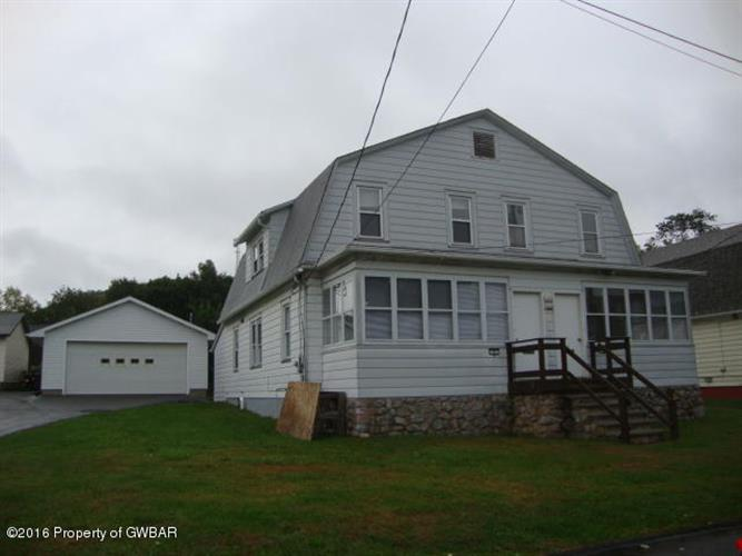 6 chestnut St, Mountain Top, PA 18707