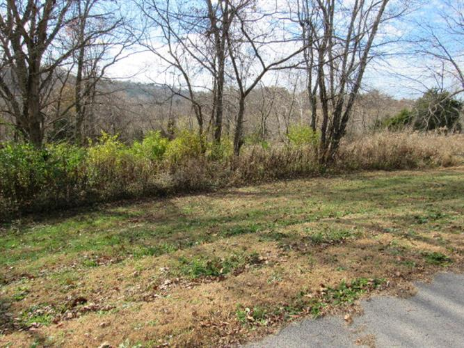 10 PLEASANT VALLEY DR, Lancaster, KY 40444