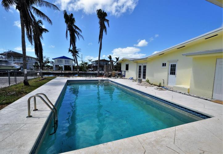 30 E Cahill Court, Big Pine Key, FL 33043 - Image 1