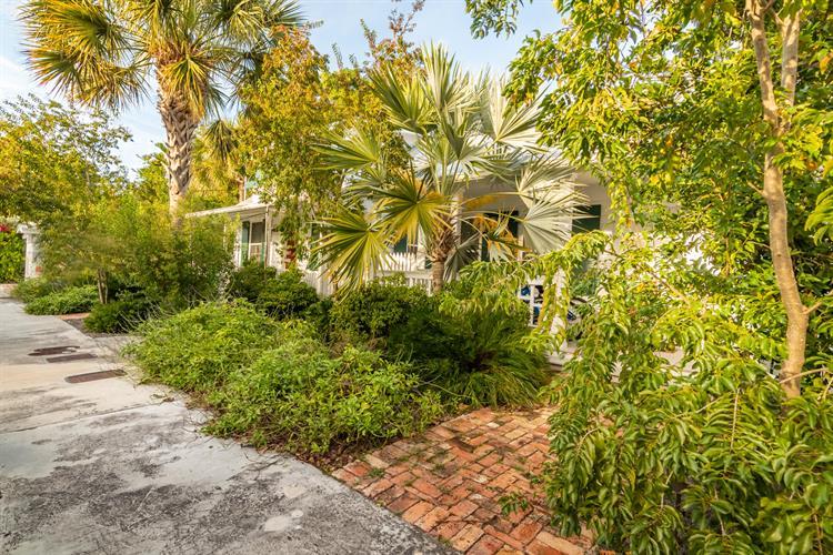 Fantastic 607 609 Ashe Street Key West Fl 33040 For Sale Mls 584579 Weichert Com Beutiful Home Inspiration Semekurdistantinfo