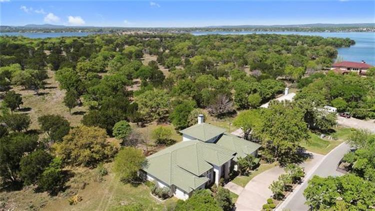 208  Lighthouse Dr, Horseshoe Bay, TX 78657