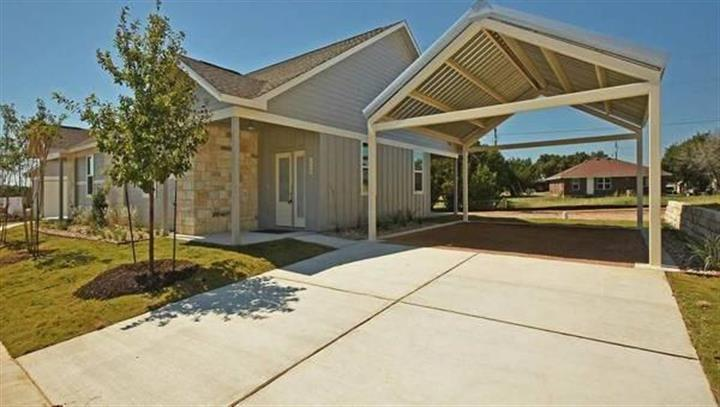 385  Rose Dr  #A, Dripping Springs, TX 78620