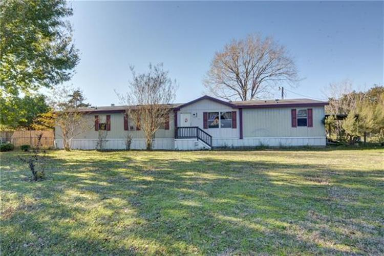 513  Green Valley Dr, Bastrop, TX 78602 - Image 1