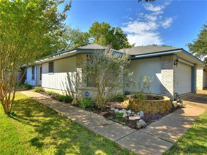 8104  HUDDLESTON Ln, Austin, TX 78748 - Image 1
