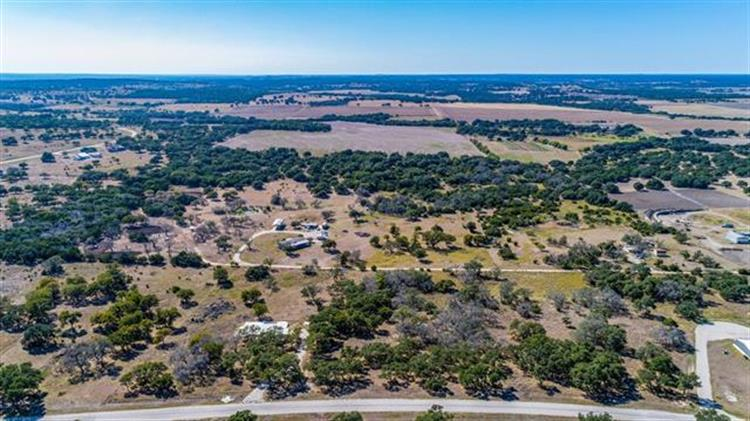 00  Axis Cir, Stonewall, TX 78624 - Image 1