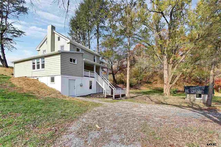 1015 Mitchell Road, Airville, PA 17302