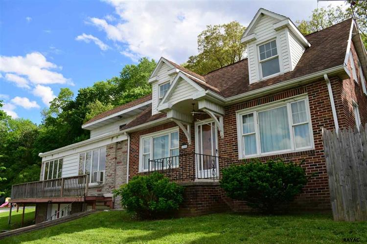850 Second Street, Mount Wolf, PA 17347